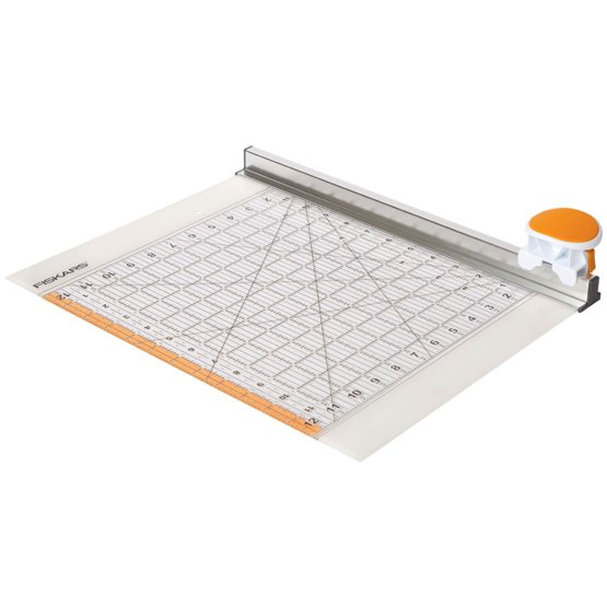 1016264-Combo-Rotary-Cutter-and-Ruler-Angle.jpg
